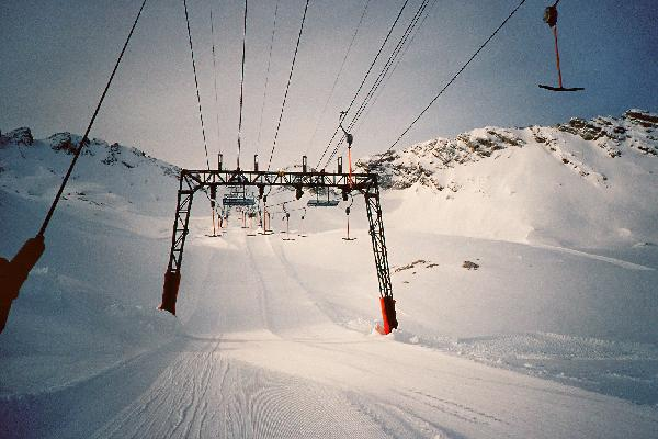 Doppelmayr Fachwerk(Gletscher)Portalstüzte für Parallelanlagen mit größerer Spurweite