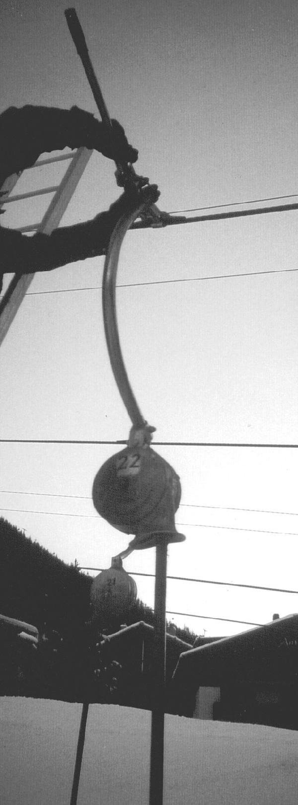 Der Exzenterschl�ssel wird auf der Seilklemme angebracht.