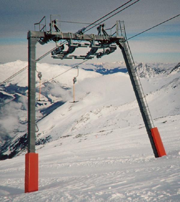 Doppelmayr Gletscherportalst�tze der neuen Bauform