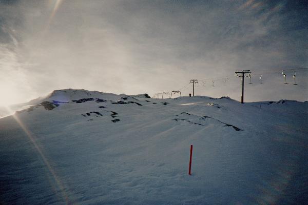 Die beiden T-Stützen und die Portal-Gletscherstützen im Hintergrund